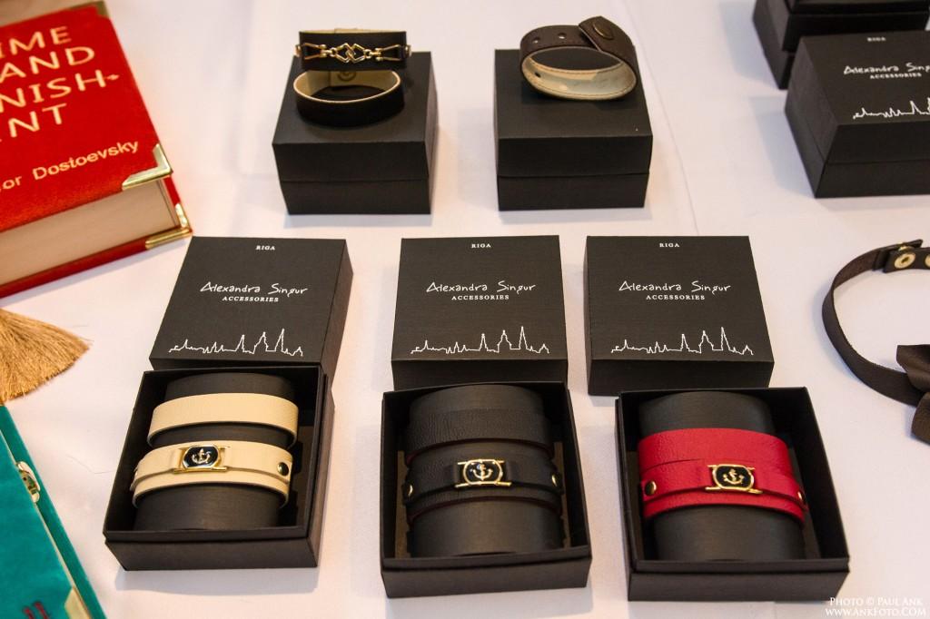 Alexandra Singur accessories