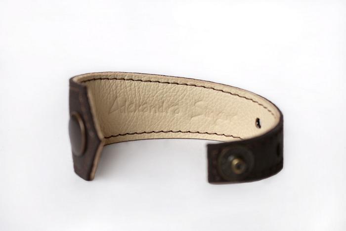 womens leather bracelets
