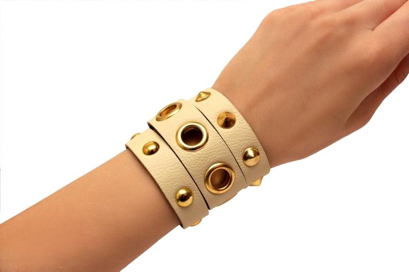 womwns leather bracelets