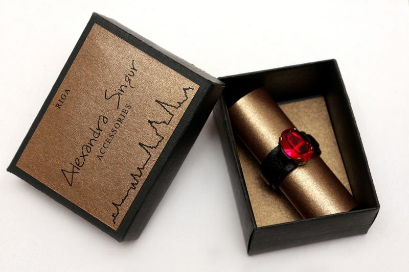 ādas gredzeni ar swarovski